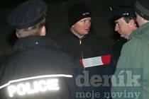 Policisté vyšetřují vraždu v Oskořínku.