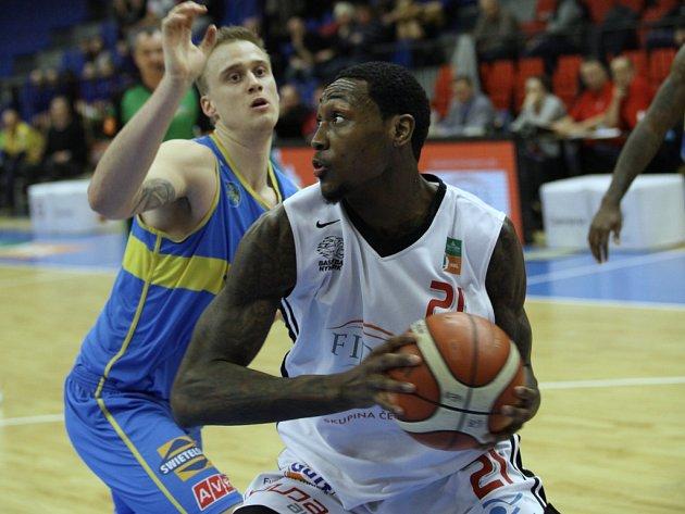 Z basketbalového utkání Kooperativa NBL Nymburk - Jindřichův Hradec (117:75)