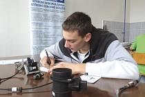 V nymburském učilišti se konala krajská soutěž automechaniků.
