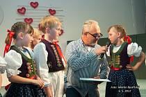 Celostátní festival mateřských škol je už stálicí na nymburském kulturním nebi. V pódiových představeních se letos ve Sportovním centru představilo na čtyři sta dětí z mateřských škol od Sokolova a České Lípy až po Brno či Kunčice pod Ondřejníkem.