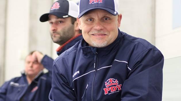 Šéf. Předseda poděbradského hokejového klubu Petr Fiala se na novou sezonu těší jako vždy. A má jako vždy nejvyšší cíle