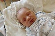 JAKUB JE PRVNÍ V RODINĚ. Jakub Holan se narodil mamince Lucii a tátovi Lukášovi z Jíkve 12. října 2017 v 0.31 hodin. Vážil tři kilogramy a měřil 49 cm. Je prvním miminkem v rodině.