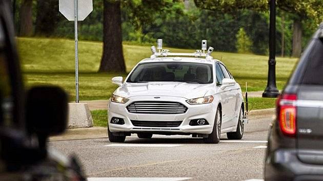 Samořízená auta mají být testována na milovickém letišti.