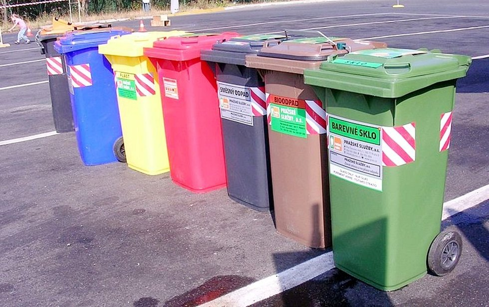 V Poděbradech budou rozdávat popelnice na plasty a papír všem domácnostem.
