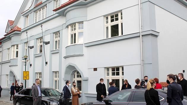 Takzvaný Knéblák byl opraven a osm sociálních bytů dostane brzy své nájemníky.