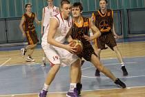 REPREZENTANT. Mladý basketbalista Nymburka Lukáš Štegbauer opět nahlédl do reprezentačního výběru
