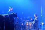 Sobotní večer patřil skladateli a kytaristovi Ericu Serrovi.