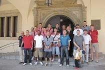Vítězné basketbalisty Nymburka přivítal a ocenil i starosta