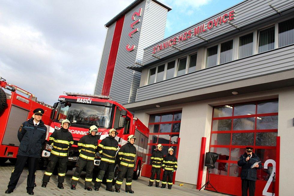 Jednu z nejmodernějších hasičských stanic v republice slavnostně otevřeli v úterý v Milovicích.