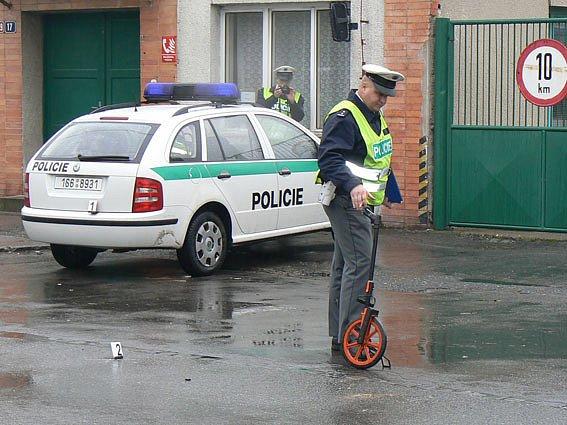 Policisté šetřili nehodu