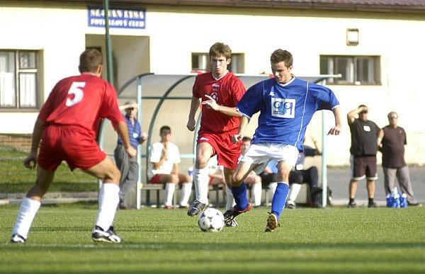 Vloni fotbalisté Slovanu Lysá nad Labem s Kounicemi dvakrát prohráli 1:2. Tentokrát si od tohoto soupeře odpočinou, neboť budou hrát ve skupině B. Kounice zůstaly ve skupině C.