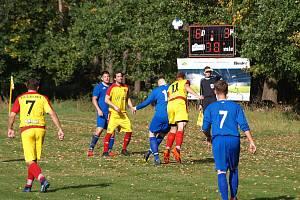 Z fotbalového utkání okresního přeboru Kostelní Lhota - Tatce (9:3)