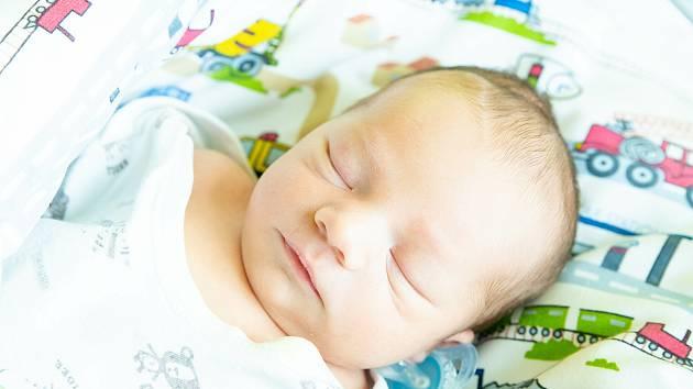 Tobiáš Štrynek, Čelákovice. Narodila se 1. srpna 2020 ve 0.37 hodin, vážil 2 970 g a měřil 48 cm. Z prvorozeného synka se raduje maminka Lucie a tatínek Petr.