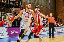 Z basketbalového utkání Kooperativa NBL Nymburk - Pardubice (88:52)