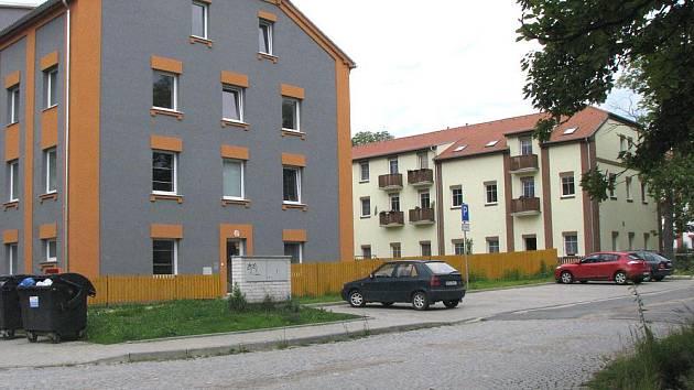 V Milovicích se během několika let opravilo mnoho domů a nastěhovaly se sem tisíce obyvatel.