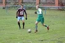 Z fotbalového utkání I.B třídy Slovan Poděbrady - Sadská (2:0).