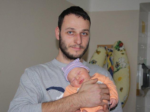TEREZKA JE PRVNÍ. TEREZA HRSTKOVÁ se narodila 22. ledna 2017  v 15.32 hodin. Holčička vážila 3 420 g a 47 cm. Maminka Tereza a táta Jan věděli už předem, že si domů do Lstiboře odvezou dcerku. Teď už tu jsou Terezky dvě!