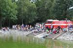Sokolečská lávka v režii místních sokolů a dobrovolných hasičů přinesla báječnou zábavu.