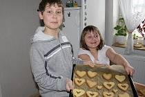 Děti v DDM v Nymburce tvořily valentýnská přáníčka v předstihu.