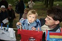 Celkem 411 dětí se zúčastnilo Cesty za pohádkovým lesem v Milovicích.