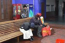 Bezdomovci na poděbradském nádraží