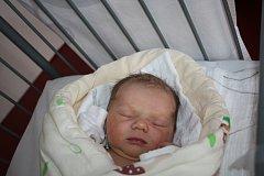 O NELINCE SE VĚDĚLO PŘEDEM. NELA KOSÍKOVÁ je princeznička narozená 26. dubna 2017 v 20.51 hodin. Míry nové obyvatelky Stratova byly 3 180 g a 49 cm. Radují se z ní rodiče Michaela a Martin.