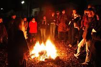 Takto vypadala oslava svátku Samhain loni v Nymburce.