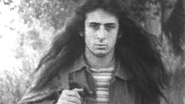 VÁCLAV KREJSA někdy začátkem sedmdesátých let. V té době ještě nosil dlouhé vlasy.
