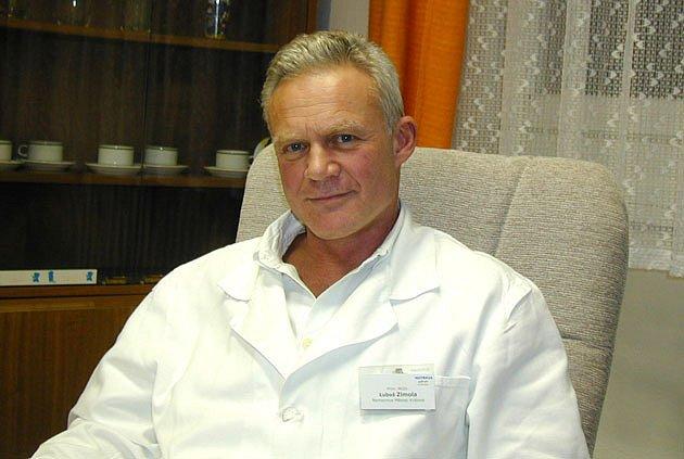 NOVÝ ŘEDITEL. Luboš Zimola (49 let), od roku 2004 vedl nemocnici v Městci Králové. Od soboty se stane ředitelem v nymburské nemocnici. Svého postu v Městci se předevčírem vzdal.