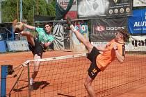 Nohejbaloví dorostenci Čelákovic porazili na svých kurtech 6:1 tým Šacungu Benešov