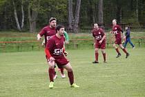 Z fotbalového utkání okresního přeboru Seletice - Bohemia Poděbrady B (3:4)
