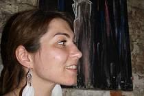 Ruská malířka studující v Poděbradech zahájila svou první výstavu.