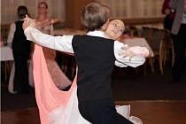Na Tyršáku se tančilo na jubilejním 10. plese pro Domov