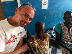 Anesteziolog Dušan Mach se vrátil ze své mise v Jižním Súdánu.