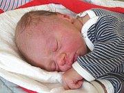 SEBASTIÁN KRÜGER se narodil 22. února 2018 ve 21.35 hodin s výškou 49 cm a váhou 3 000 g. Rodiče Kateřina a Štěpán si syna odvezou domů do Polní Chrčice za bráškou Dominikem (2,5).