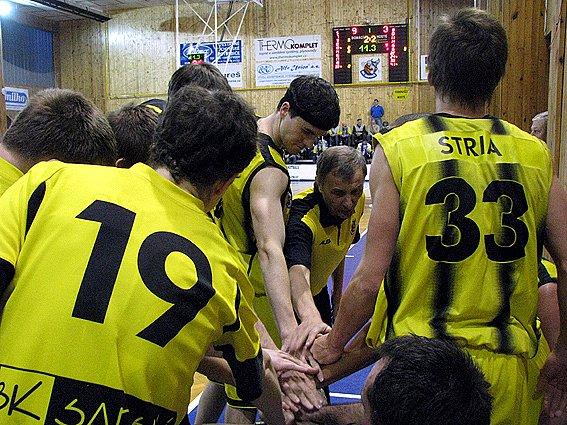 Basketbalisté Sadské jedou! Po domácí výhře nad Novým Jičínem doma porazili i Prostějov.