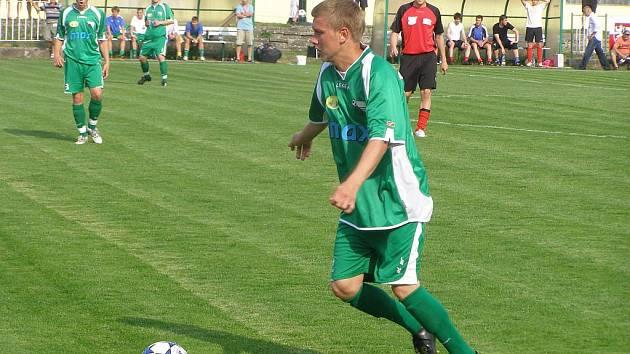 Z okresního fotbalového derby I.A třídy Polaban Nymburk - Bohemia Poděbrady (4:1)