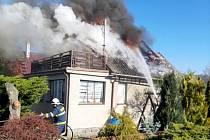 Požár zasáhl chatu na Patříně.
