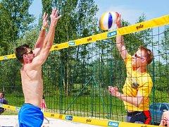Beachvolejbalová sezona v Poděbradech už začala.