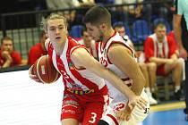 Z basketbalového utkání NBL Nymburk - Pardubice (109:87)