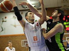 Z basketbalového utkání Kooperativa NBL Nymburk - Brno (96:63)