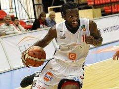 OPUSTIL MISTRA. Basketbalista Qiuncy Diggs odešel hledat štěstí do francouzské ligy
