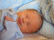 MAREK Chadraba se narodil v úterý 19. prosince 2017 v 9.32 hodin s mírami 45 cm a 3 190 g Petře a Petrovi ze Sendražic u Kolína jako prvorozený.