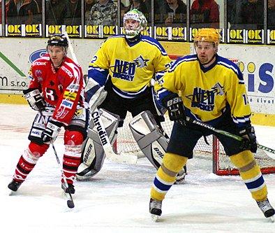 Tomáš Kaulfus (vpravo) musel kvůli nemoci ukončit svoji kariéru