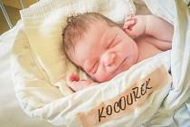 Matěj Kocourek, Kostomlaty nad Labem. Narodil se 23. dubna 2020 v 11.34 hodin, vážil 3 690g a měřil 47 cm. Z chlapce se raduje maminka Markéta, tatínek Michal a sestřička Emička. (porodnice Nymburk)