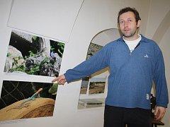 Výstava Plazi: Naši spolubydlící a sousedé je otevřená školám i široké veřejnosti. Po dohodě přidá přírodovědec a autor výstavy Martin Šandera (na snímku) výklad.