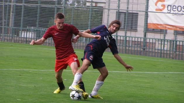 Z fotbalového utkání I.A třídy Velim - Poděbrady (2:2)