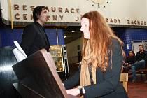 V Poděbradech na nádraží si můžete od soboty zahrát na klavír v hale