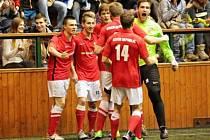 SLAVILI VÝHRU. Jan Krátký (druhý zleva) vstřelil proti Německu jeden gól, akci založil Michal Dosoudil (třetí zleva)