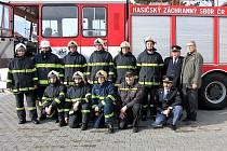 Dobrovolní hasiči v Křinci umí přiložit jak ruku k dílu, tak nezkazí žádnou zábavu.